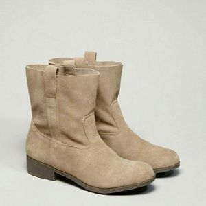 American Eagle Tan Suede Short Boots Booties